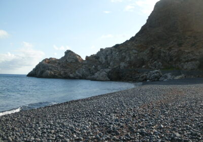 chios plage sable noir grece